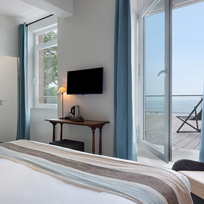 Superior sea-view room